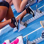 NLD/Apeldoorn/20180217 - NK Indoor Athletiek 2018, startblok, gympen, gympschoenen, hardlopen, dames,