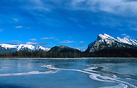 Vermillion Lakes and Mount Rundle - Banff National park   Photo: Peter Llewellyn