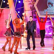 NLD/Hilversum/20130105 - 2de Liveshow Sterren Dansen op het IJs 2013, Gerard Joling