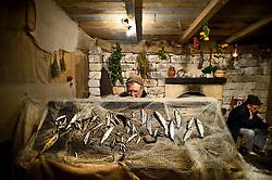 Monopoli - rappresentazione del presepe vivente, pescatore