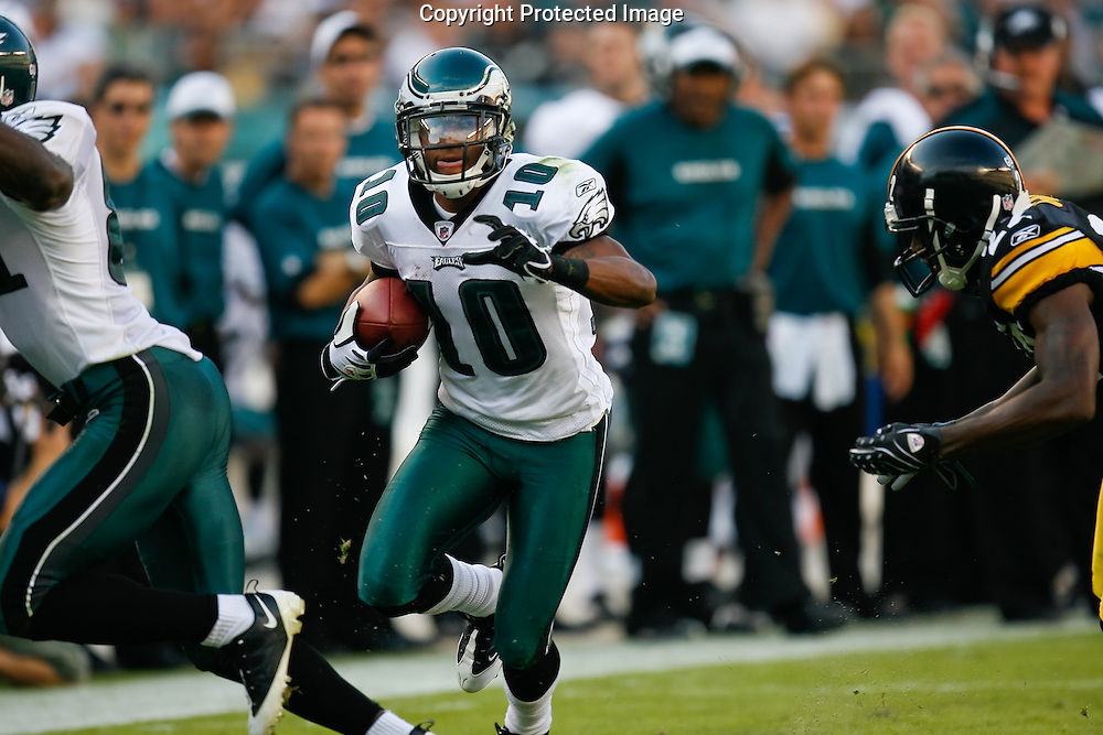21 Sept 2008: Philadelphia Eagles wide receiver DeSean Jackson #10 runs the ball during the game against the Pittsburgh Steelers on September 21st, 2008.  The Eagles won 15-6 at Lincoln Financial Field in Philadelphia Pennsylvania.