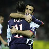 Fotball , 02. november 205 , Champions League , Thun - Ajax, seizoen 2005 / 2006 , 02-11-2005 champions league yannis anastasiou scoort de 1-2 en viert de goal met babel