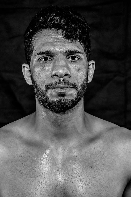 BOXEN / K1 / MMA: Studio, Portrait of a Boxer, Bremen, 12.05.2018<br /> Jafar Hakimi<br /> © Torsten Helmke