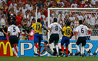 Photo: Glyn Thomas.<br />England v Ecuador. 2nd Round, FIFA World Cup 2006. 25/06/2006.<br /> England's David Beckham (not pictured) gives his team the lead from a free kick.