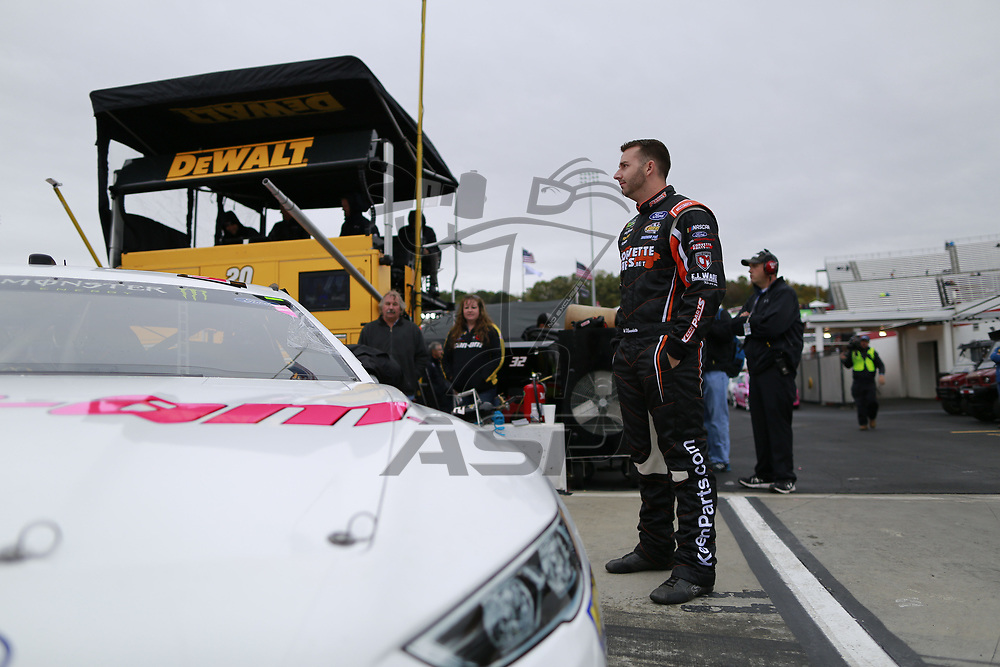 October 29, 2017 - Martinsville, Virginia, USA: Matt DiBendetto (32) stands by his car before qualifying for the First Data 500 at Martinsville Speedway in Martinsville, Virginia.