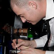 NLD/Amsterdam/20120130 - CD presentatie Lange Frans, Lange Frans Frederiks signeert zijn cd