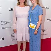 NLD/Amsterdam/20180908 - inloop Gala Het Nationale Ballet 2018, Bianca Krijgsman met dochter