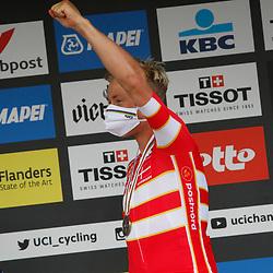 LEUVEN (BEL): CYCLING: SEPTEMBER 26th: Elite Men: Julian Alaphilippe is de nieuwe wereldkampioen voor Dylan van Baarle en Michael Valgren.