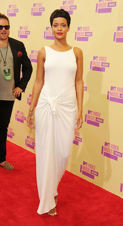 LOS ANGELES, CA - SEPTEMBER 06: Rihanna  arrives at the 2012 MTV Video Music Awards at Staples Center on September 6, 2012 in Los Angeles, California.