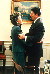 Ronald and Nancy Reagan, Date: 07.11.2000. EXPA Pictures © 2016, PhotoCredit: EXPA/ Photoshot/ UPPA/Photoshot<br /> <br /> *****ATTENTION - for AUT, SLO, CRO, SRB, BIH, MAZ, SUI only*****