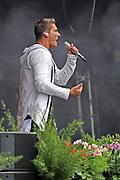 """Auftritt von Norman Langen beim Open Air-Festival """"Der Berg bebt!"""" vom 15.07.2017 auf dem Plaun Grond, Flims."""