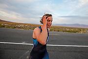 De Velox tijdens de avondruns op de tweede racedag. Het Human Power Team Delft en Amsterdam, dat bestaat uit studenten van de TU Delft en de VU Amsterdam, is in Amerika om tijdens de World Human Powered Speed Challenge in Nevada een poging te doen het wereldrecord snelfietsen voor vrouwen te verbreken met de VeloX 9, een gestroomlijnde ligfiets. Het record is met 121,81 km/h sinds 2010 in handen van de Francaise Barbara Buatois. De Canadees Todd Reichert is de snelste man met 144,17 km/h sinds 2016.<br /> <br /> With the VeloX 9, a special recumbent bike, the Human Power Team Delft and Amsterdam, consisting of students of the TU Delft and the VU Amsterdam, wants to set a new woman's world record cycling in September at the World Human Powered Speed Challenge in Nevada. The current speed record is 121,81 km/h, set in 2010 by Barbara Buatois. The fastest man is Todd Reichert with 144,17 km/h.