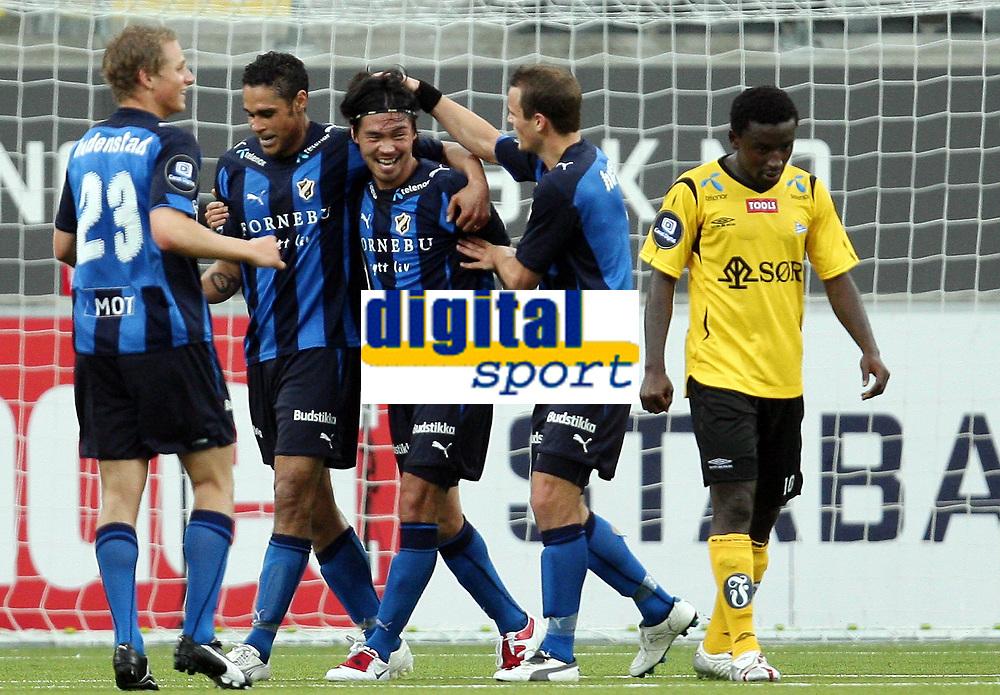 Fotball , 21. juni  2009 , Tippeligaen , Stabæk - Start 5-0<br /> Jan Jönsson og Daniel Nannskog  , Stabæk<br /> Til Høyre Solomon Jaems Owello , Start