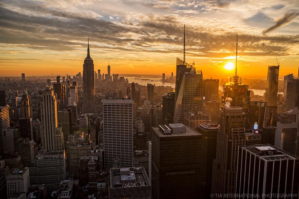 Manhattan, Golden Sky