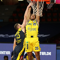 #25 Kenneth Ogbe von Alba Berlin , #45 Nathan Boothe von Baskets Oldenburg <br /> Basketball, nph0001 1.Bundesliga BBL-Finalturnier 2020.<br /> Halbfinale Spiel 2 am 24.06.2020.<br /> <br /> Alba Berlin vs EWE Baskets Oldenburg <br /> Audi Dome<br /> <br /> Foto: Christina Pahnke / sampics  / POOL / nordphoto<br /> <br /> National and international News-Agencies OUT - Editorial Use ONLY