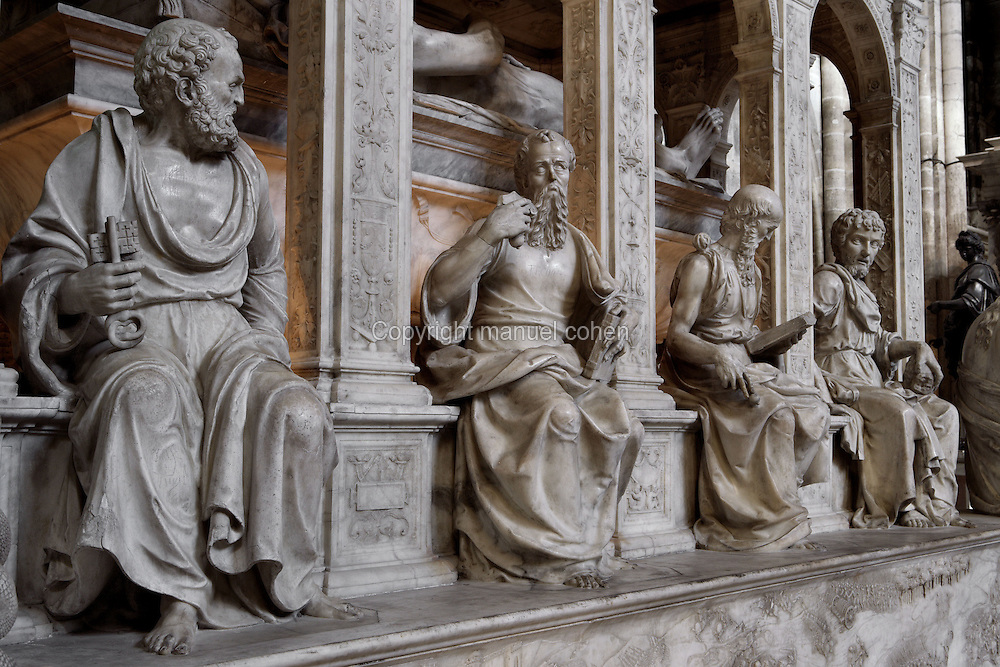 Apostles, Funerary monument of Louis XII (1462 - 1515) and Anne of Brittany (1477 - 1514), 1516 - 1531, Marble of Carrara, by Giovani di Giusto Betti, Abbey church of Saint Denis, Seine Saint Denis, France. Picture by Manuel Cohen
