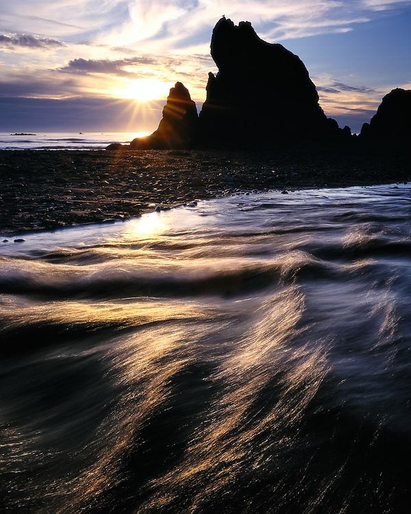 Cedar Creek at sunset, Ruby Beach, Pacific Ocean coastline, Olympic National Park, Washington, USA