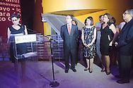 """Un espectaculo fue la encendida de luces del Biomuseo, diseñado por el famoso arquitecto Frank Gehry. Esta actividad se daba para el apoyo de la campaña """"Mil de Mil"""", que tiene como objetivo la recaudacion de fondos para las operaciones del museo. Panamá, 29 de enero de 2013. (Victoria Murillo/Istmophoto)"""