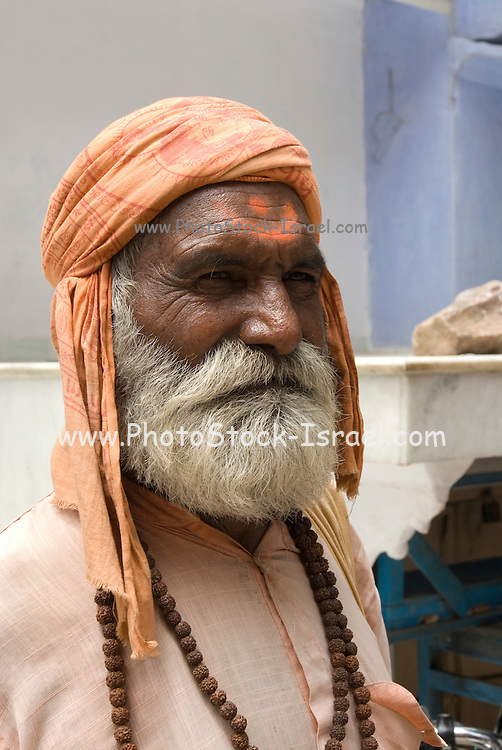 India, Rajasthan, Pushkar mature man in traditional head dress