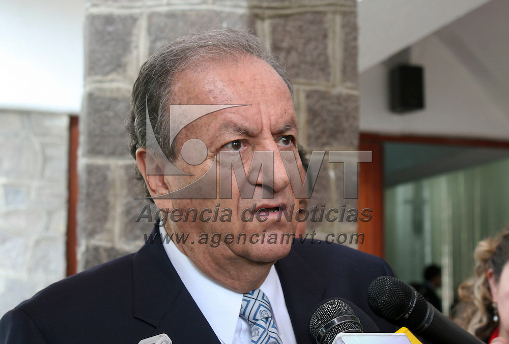 Toluca, México.- Marco Antonio Moralez Gómez, Comisionado de Derechos Humanos en el Edomex durante la  inauguración del Décimo Noveno Taller de Derecho Internacional en la UAEM. Agencia MVT / José Hernández