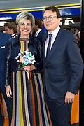 Koningsdag 2017 in Tilburg / Kingsday 2017 in Tilburg<br /> <br /> Op de foto / On the photo:  Prins Constantijn en prinses Laurentien / Prince Constantijn and Princess Laurentien