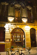 The gourmet Restaurant Le Jardin d'Ausone in the old town in Bordeaux: the exterior and entrance