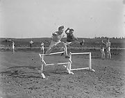 """Barrett & Kuhnhausen 1916"" (hurdles track. Arthur Kuhnhausen)"