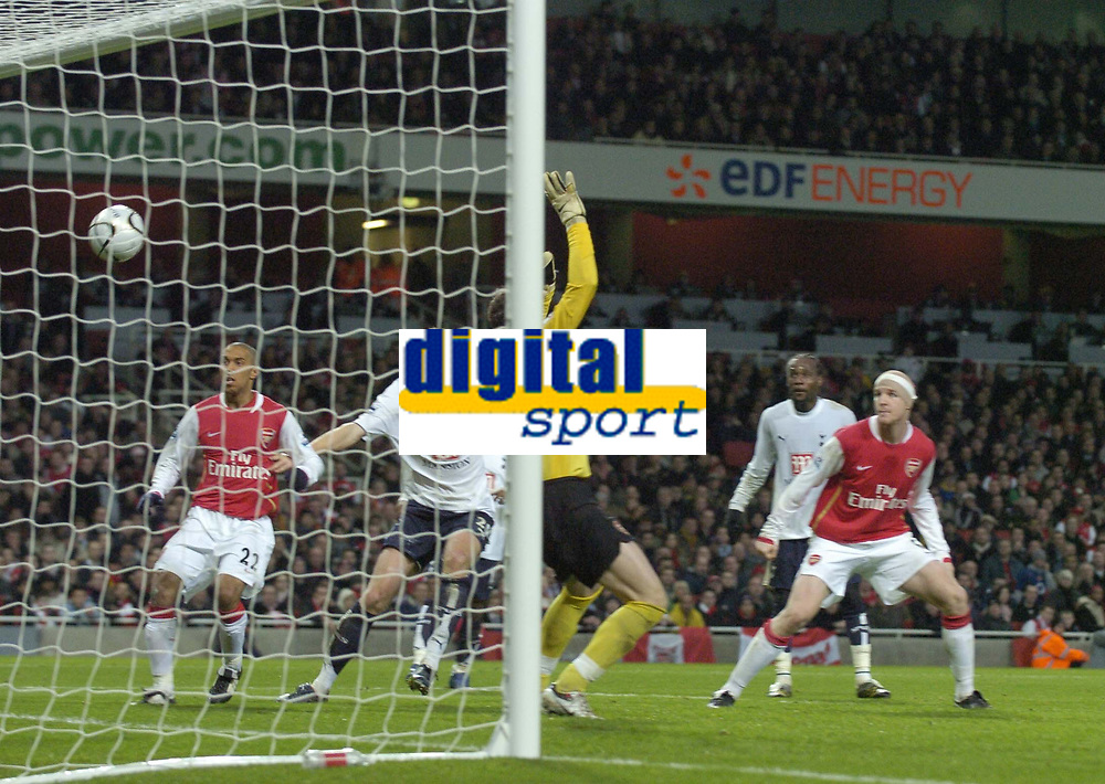 Photo: Olly Greenwood.<br />Arsenal v Tottenham Hotspur. Carling Cup Semi Final 2nd leg 31/01/2007. Spurs Mido scores