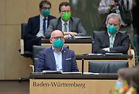 DEU, Deutschland, Germany, Berlin, 12.02.2021: Baden-Württembergs Verkehrsminister Winfried Hermann (Die Grünen) bei der 1000. Plenarsitzung des Bundesrats. Aufgrund der Pandemie müssen alle Teilnehmer medizinische Masken bzw. FFP-2 Masken tragen.