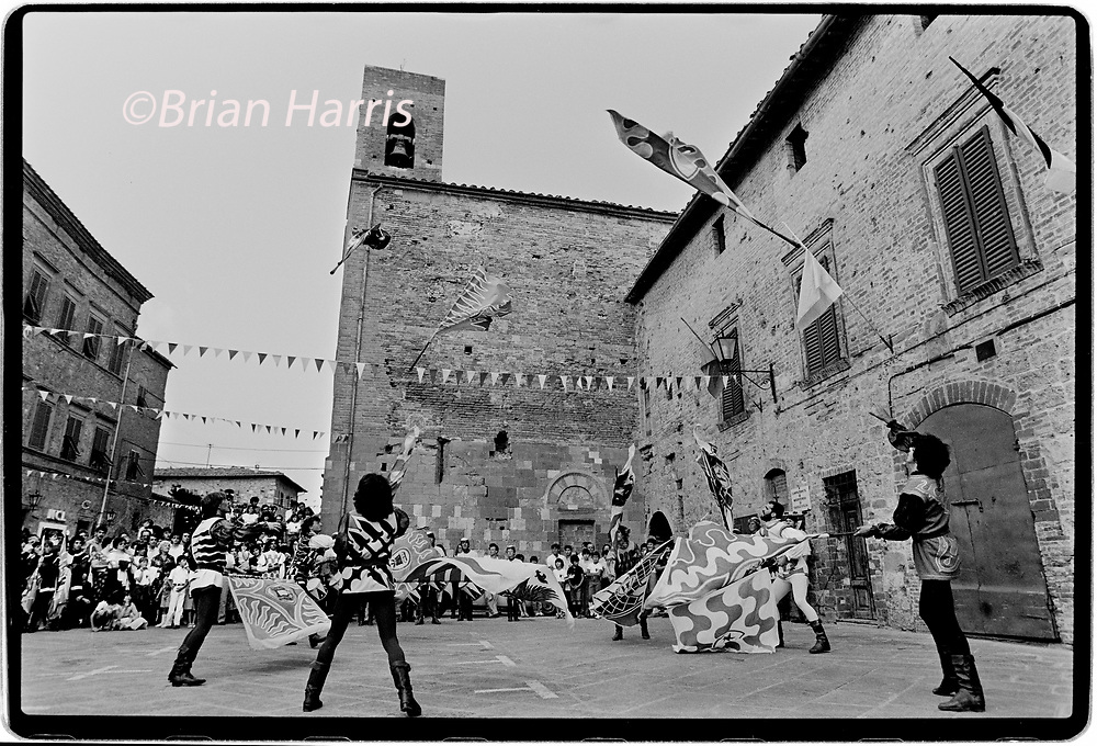 Casole d'Elsa Tuscany Italy Palio Horse Race 1992<br />The Palio of Casole d'Elsa has a tradition whose roots date back to the mid-800 's, when at the end of the festivities in honour of Sant'Isidoro. In 1975 the Palio of Casole was revived by a new regulation, the farms were replaced by new realities in representation of specific areas of the Township. Thus the districts of Rivellino, Pievalle, il Merlo, Cavallano, Monteguidi and Casole Campagna