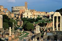 Italie - Latium - Rome - Forum et Colisée