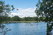"""Henley on Thames, United Kingdom, 21st June 2018, Thursday, Training day before the start of  """"Henley Women's Regatta"""",  Thursday,  view, Crews Turning at the gap in the course,  Henley Reach, River Thames, England, © Peter SPURRIER/Alamy Live News"""
