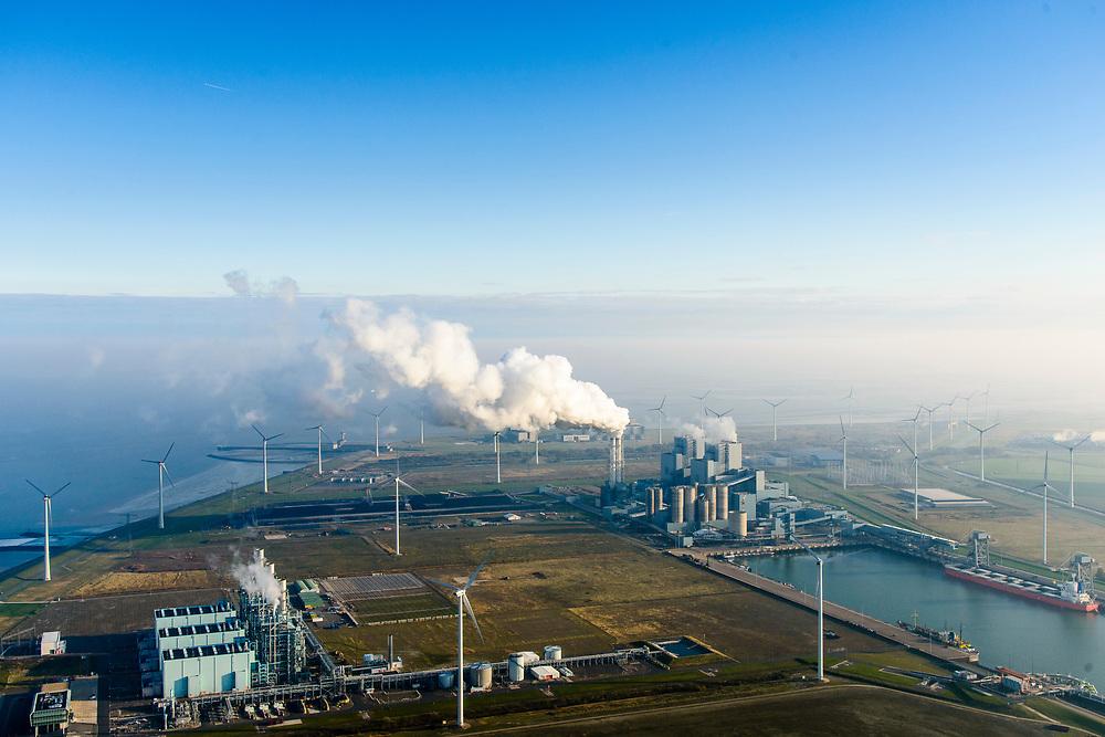 Nederland, Groningen, Eemshaven, 04-11-2018; energielandschap aan de Eemshaven met de kolengestookte elektriciteitscentrale Eemscentrale van RWE (voorheen RWE_Essent).  In de voorgond Magnum energiecentrale van Nuon (stoom- en gascentrale, STEG).<br /> Energy landscape at the Eemshaven with the coal-fired Eemscentrale power plant from RWE (formerly RWE_Essent).<br /> luchtfoto (toeslag op standaard tarieven);<br /> aerial photo (additional fee required);<br /> copyright© foto/photo Siebe Swart