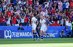June 16, 2019 - Paris, France - Joie des joueurs de l equipe Etats Unis - Lindsey HORAN ( Etats Unis ) - But de Carli LLOYD  (Credit Image: © Panoramic via ZUMA Press)