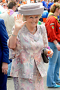 Koningsdag 2014 in Amstelveen, het vieren van de verjaardag van de koning. / Kingsday 2014 in Amstelveen, celebrating the birthday of the King. <br /> <br /> <br /> Op de foto / On the photo:  Prinses Beatrix / Princess Beatrix