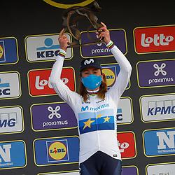 04-04-2021: Wielrennen: Ronde van Vlaanderen (Vrouwen): Oudenaarde <br />Annemiek van Vleuten heeft de ronde van Vlaanderen voor vrouwen voor de tweede keer op haar naam geaschreven