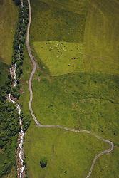 THEMENBILD - Bergwiese mit Wanderweg und Gebirgsbach. Die Hochalpenstrasse verbindet die beiden Bundeslaender Salzburg und Kaernten und ist als Erlebnisstrasse vorrangig von touristischer Bedeutung, aufgenommen am 11. Juni 2020 in Fusch a.d. Glstr., Österreich // Mountain meadow with hiking trail and mountain stream. The High Alpine Road connects the two provinces of Salzburg and Carinthia and is as an adventure road priority of tourist interest, Fusch a.d. Glstr., Austria on 2020/06/11. EXPA Pictures © 2020, PhotoCredit: EXPA/ JFK