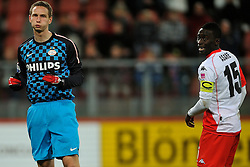 22-01-2012 VOETBAL: FC UTRECHT - PSV: UTRECHT<br /> Utrecht speelt gelijk tegen PSV 1-1 / (L-R) Tim Matavz, Nana Asare<br /> ©2012-FotoHoogendoorn.nl