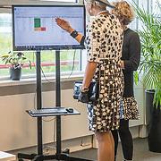 NLD/Utrecht/20190905 - Maxima bij 40 jaar bestaan De Kindertelefoon, Koningin Maxima bezoekt het bel centrum
