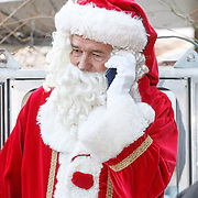 NLD/Amsterdam/20151126 - Perspresentatie The Christmas Show,  Ron Brandsteder als kerstman aan de telefoon