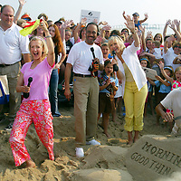(PMONMOUTH) Belmar 7/3/2002   The Good Morning America Show broadcast live from the beach in Belmar with personalities Lara Spencer, meterologist Tony Perkins and Diane Sawyer during the morning broadcast.   Michael J. Treola STaff Photographer....MJT