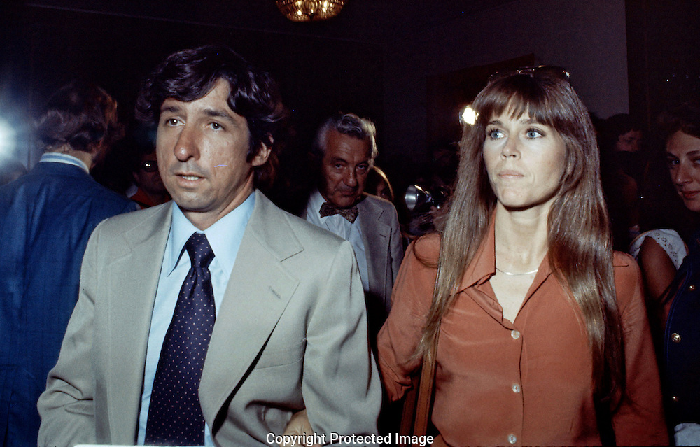 Tom Hayden and Jane Fonda at the Democratic Convention in 1976...Photograph by Dennis Brack bs b 17