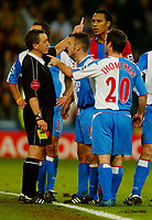 Fotball<br /> Premier League England 2004/2005<br /> Foto: BPI/Digitalsport<br /> NORWAY ONLY<br /> <br /> Crystal Palace v Blackburn Rovers<br /> 11/12/2004<br /> <br /> David Thompson of Blackburn argues with referee, Alan Wiley after being shown the red card.