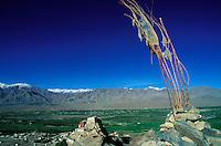 Inde - Province du Jammu Cachemire -  Ladakh - Monastère bouddhiste de Tiksey - Drapeaux de prière