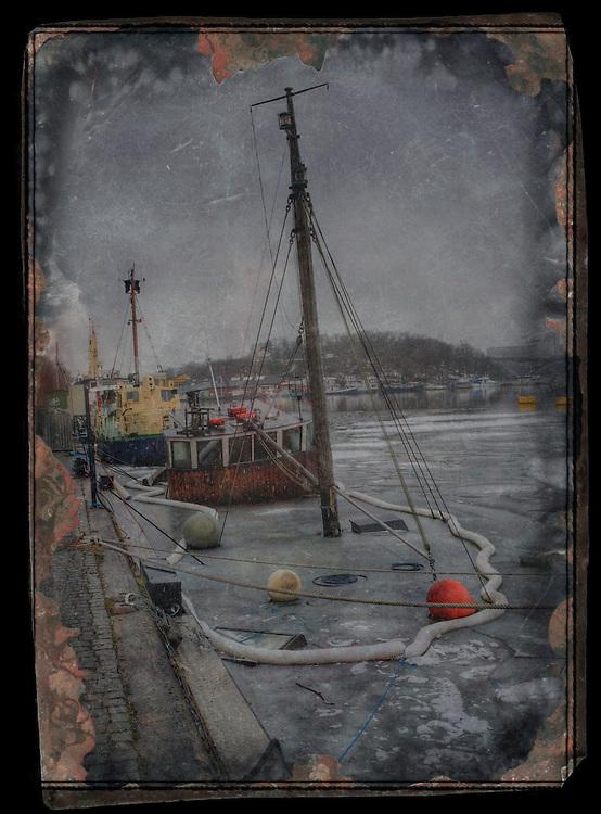 Sunken ship at the quay
