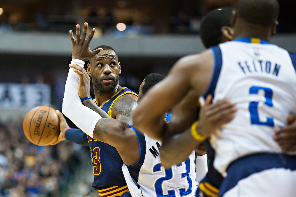 DALLAS, TX - JANUARY 12:  Lebron James #23 of the Cleveland Cavaliers with the ball while being guarded by Wesley Matthews #23 of the Dallas Mavericks at American Airlines Center on January 12, 2016 in Dallas, Texas.  NOTE TO USER: User expressly acknowledges and agrees that, by downloading and or using this photograph, User is consenting to the terms and conditions of the Getty Images License Agreement.  The Cavaliers defeated the Mavericks 110-107.  (Photo by Wesley Hitt/Getty Images) *** Local Caption *** Lebron James; Wesley Matthews