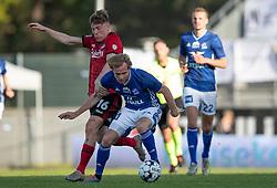 Pep Biel (FC København) har fat i Gustav Marcussen (Lyngby Boldklub) under kampen i 3F Superligaen mellem Lyngby Boldklub og FC København den 1. juni 2020 på Lyngby Stadion (Foto: Claus Birch).