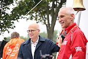 Marathon: Haspa Hamburg 2021, Hamburg, 12.09.2021<br /> Bürgermeister Peter Tschentscher (l.) und Jürgen Marquardt (Vorstand HASPA)<br /> © Torsten Helmke