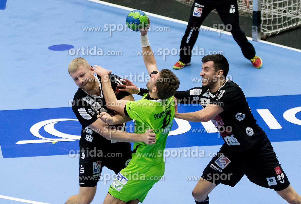 12.11.2016, BSFZ Suedstadt, Maria Enzersdorf, AUT, HLA, SG INSIGNIS Handball WESTWIEN vs Sparkasse Schwaz HANDBALL TIROL, Grunddurchgang, 12. Runde, im Bild Anton Prakapenia (Sparkasse Schwaz HANDBALL TIROL), Simon Pratschner (WestWien), Damir Djukic (Sparkasse Schwaz HANDBALL TIROL) // during Handball League Austria, 12 th round match between SG INSIGNIS Handball WESTWIEN and Sparkasse Schwaz HANDBALL TIROL at the BSFZ Suedstadt, Maria Enzersdorf, Austria on 2016/11/12, EXPA Pictures © 2016, PhotoCredit: EXPA/ Sebastian Pucher