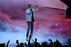 Jaden Smith performs at the half time of the rising stars challenge 16 feb 2018